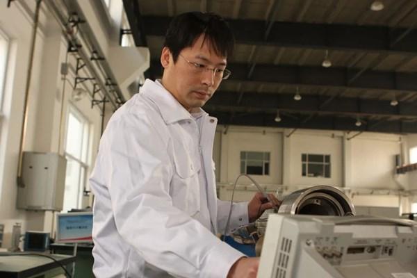 寻访海油劳模 | 誓为中国工程师争一口气