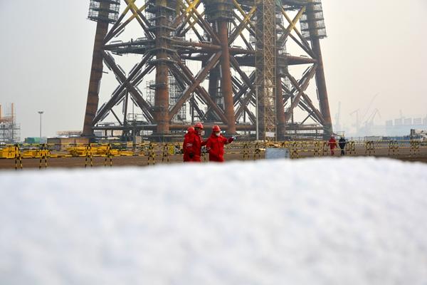 为保障项目生产安全,海油工程青岛公司(下称青岛公司)场地管理部的