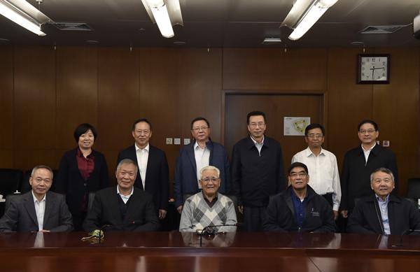 中国海洋石油集团有限公司 要闻 集团公司党组重阳节